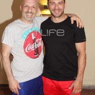 """Ο Γιώργος με τον Νίκο Μουτσινά στην πρεμιέρα της περιοδείας της παράστασης """"Βερβερίτσα"""" στο Βεάκειο Θέατρο Πειραιά - 26 Ιουνίου 2019 Φωτογραφία: Πέτρος Χόντος - TLife"""