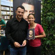 Ο Γιώργος κατά τη διάρκεια της παρουσίασης του βιβλίου του στο κατάστημα Public του Nicosia Mall στην Κύπρο - 31 Μαΐου 2019 Φωτογραφία: efterpi_elia Instagram