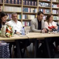 Ο Γιώργος κατά τη διάρκεια της παρουσίασης του βιβλίου του στο κατάστημα Public του Nicosia Mall στην Κύπρο - 31 Μαΐου 2019 Φωτογραφία: I Love Style