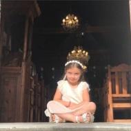 """Η μικρή """"Λήδα"""" κατά τη διάρκεια των γυρισμάτων για τον τηλεοπτικό γάμο του Στέφανου και της Όλγας - 3-4 Μαΐου 2019 Φωτογραφία: kostnas2877 Instagram"""
