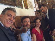 Ο Γιώργος με Κούλλη Νικολάου, Στέφανο Μιχαήλ, Ελίνα Ακριτίδου και Έλενα Λιασίδου κατά τη διάρκεια των γυρισμάτων για τον τηλεοπτικό γάμο του Στέφανου και της Όλγας - 3-4 Μαΐου 2019 Φωτογραφία: koulisnikolaou Instagram