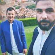 """Ο Γιώργος με τον φίλο του Σήφη στην απονομή του πλατινένιου """"Κάτι παραπάνω"""" του Κωνσταντίνου Αργυρού - 24 Ιουνίου 2019 Φωτογραφία: shfhs_i_g Instagram"""