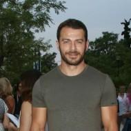 """Ο Γιώργος στο θέατρο """"Άλσος"""" όπου παρακολούθησε την παράσταση """"Το δικό μας σινεμά"""" - 10 Ιουλίου 2019 Φωτογραφία: znews"""