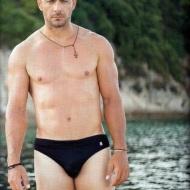 Ο Γιώργος στη φωτογράφιση για το περιοδικό ΟΚ που κυκλοφόρησε στις 28 Αυγούστου, όπου παραχώρησε συνέντευξη Φωτογραφία: Πάνος Γιαννακόλουλος