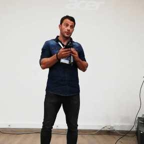 Ο Γιώργος κατά τη διάρκεια της ομιλίας του στο εργαστήριο του Job Festival 2019 στη Θεσσαλονίκη - 8 Νοεμβρίου 2019 Φωτογραφιά: chris_tsertsenes Instagram