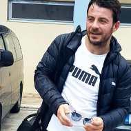 Ο Γιώργος κατά την άφιξή του στο ΔΑΚ Γλυφάδας για τον φιλανθρωπικό αγώνα ποδοσφαίρου που διεξήχθη στις 15 Δεκεμβρίου 2019 Φωτογραφία: efipetsalaki IG