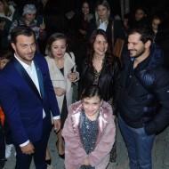 Ο Γιώργος στο Γάζι με την οικογένεια της μικρής Έλενας για τη φωταγώγηση του Χριστουγεννιάτικου δέντρου - 6 Δεκεμβρίου 2019 Φωτογραφία: fonimaleviziou.gr