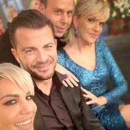 """Ο Γιώργος μαζί με τον Αναστάσιο Ντούγκα, τη Ράνια Κωστάκη και στη Σάσα Σταμάτη στην εκπομπή """"Στην υγειά μας ρε παιδιά"""" - 24 Δεκεμβρίου 2019 Φωτογραφία: rania1111 Instagram"""