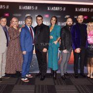 Ο Γιώργος μαζί με το καστ στην avant premiere της ταινίας Χαλβάη 5-0 στην Αθήνα - 27 Ιανουαρίου 2020 Φωτογραφία: Πέτρος Χόντος - TLife