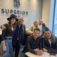 Ο Γιώργος μαζί με το καστ της ταινίας Χαλβάη 5-0 στο ξενοδοχείο Superior στη Θεσσαλονίκη, πριν την πρεμιέρα της ταινίας στην πόλη - 28 Ιανουαρίου 2020 Φωτογραφία: minaretziskostas Instagram