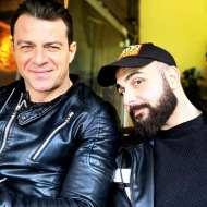 Ο Γιώργος μαζί με τον φίλο του Σήφη λίγο πριν το Komodo 2 - 15 Φεβρουαρίου 2020 Φωτογραφία: sifis_i_g Instagram