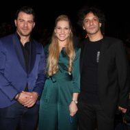 """Ο Γιώργος μαζί με τη Σάρα Εσκενάζυ και τον Γιώργο Χρανιώτη στην εκδήλωση της """"Βραδιάς του Ευχαριστώ"""" του Make a Wish που πραγματοποιήθηκε στην Αθήνα στις 25 Φεβρουαρίου 2020 Φωτογραφία: znews"""